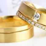 par-de-alianca-de-luxo-em-ouro-1