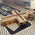 pingente-de-cruz-de-ouro-18k750