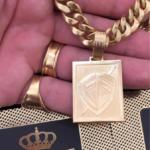 pingente-de-placa-ouro-18k-750-f